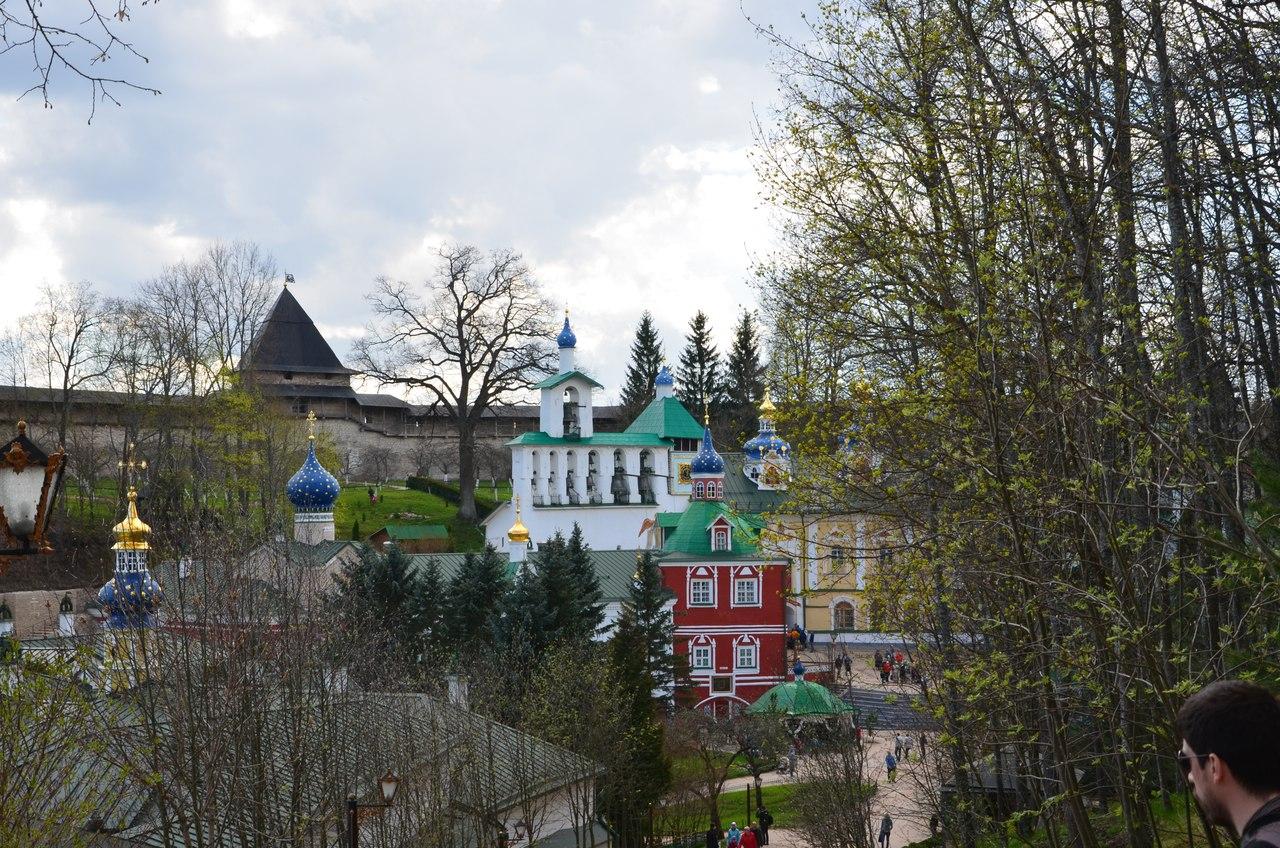 PgkSFFa4d-w Печоры и Псково-Печерский монастырь.