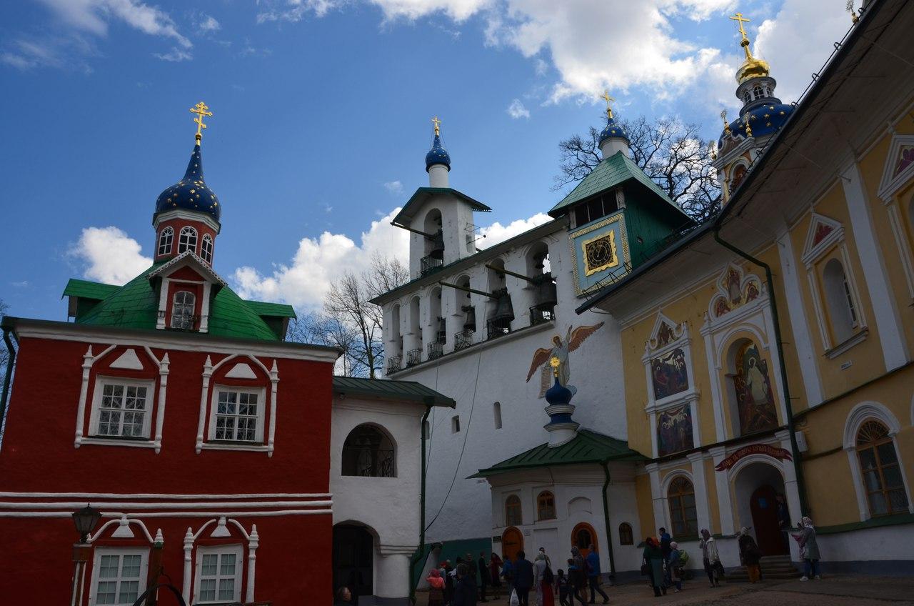 UX1ytE0VPhg Печоры и Псково-Печерский монастырь.