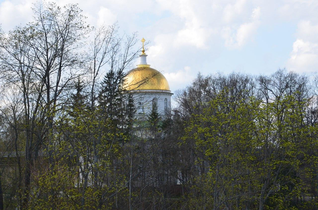 y8IcFm-YpvM Печоры и Псково-Печерский монастырь.