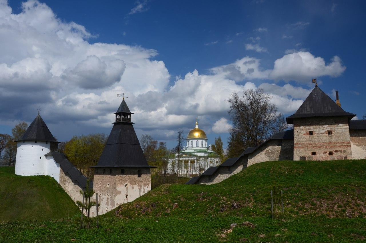 kKLHY5wsrBk Печоры и Псково-Печерский монастырь.