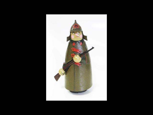 Солдат. Подвижная игрушка Amazing walking toy Red Army soldier