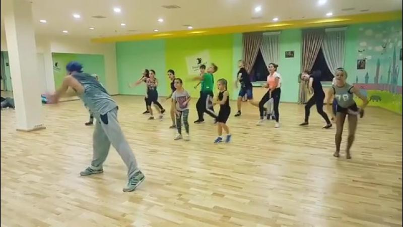 Современный танец очень раскрепощает наших танцоров!  Fusion для бальников с @ anandrei танцыодинцово одинцово трехгорка вни