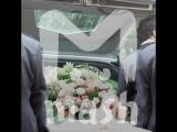 В Москве на похоронах девушки устроили сказку