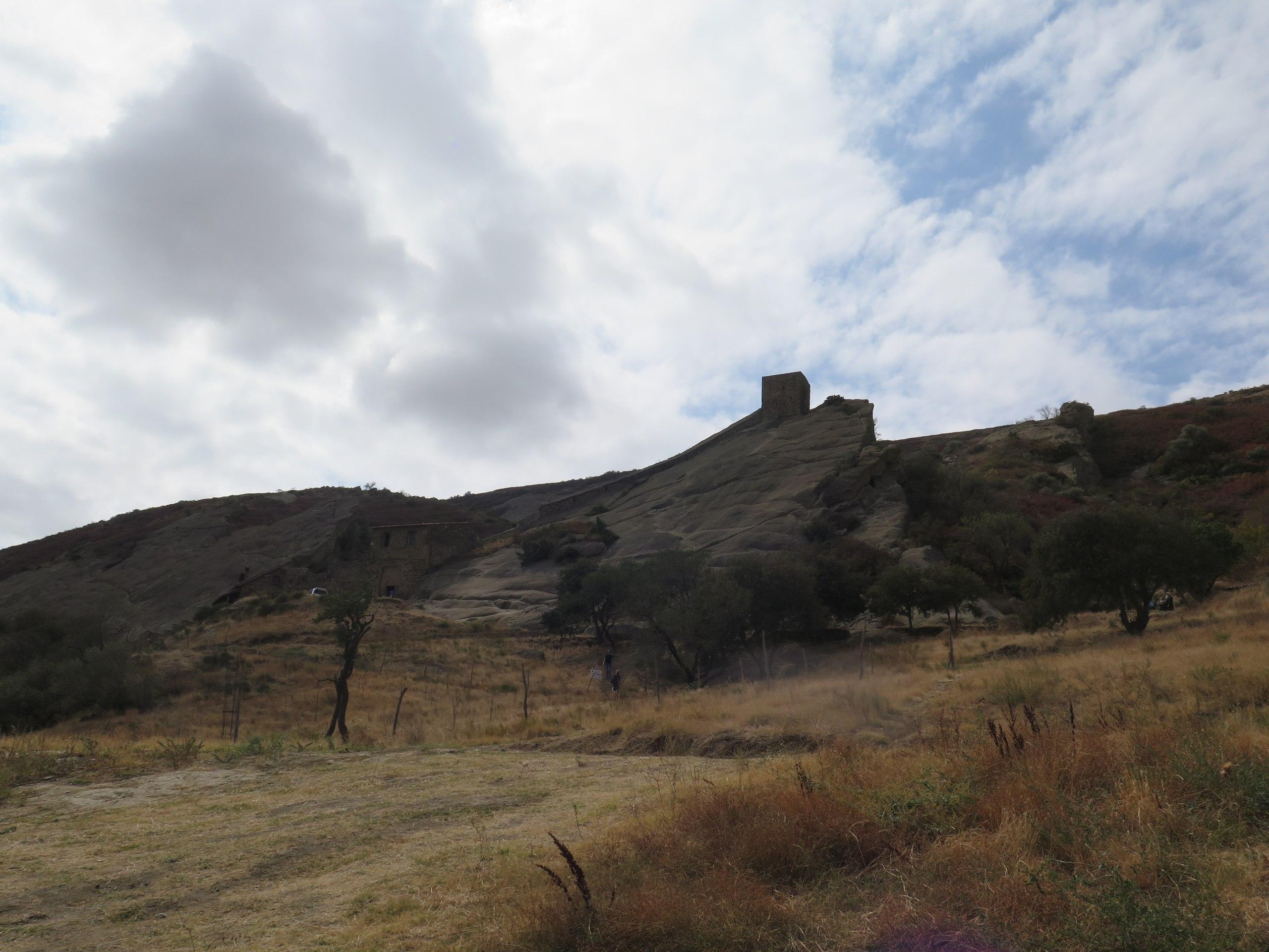 Монастырь разделенный на две страны: Грузию и Азербайджан