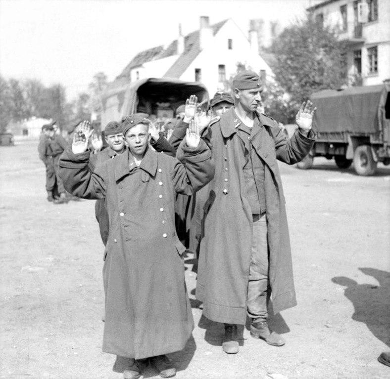 Капитуляция, Бремен, апрель 1945 года.