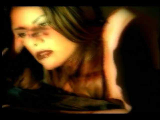 Ricardo Arjona - Desnuda Video Oficial