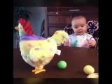 Муж купил игрушку дочке...  Доча в восторге, а я второй день плачу...    от  смеха!    )))