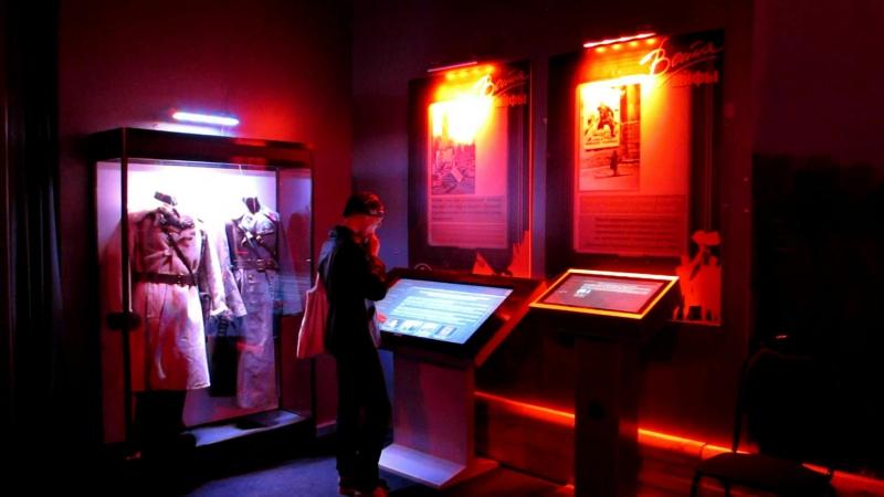 Выставка Война и мифы (выставочный зал САФУ)