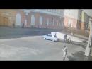 Нападение водителя голубых жигулей на семью с детьми, в результате наглец огрёб люлей от отца семейства, Норильск, июнь 2017