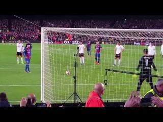 Месси vs Алвес. Красота футбола!