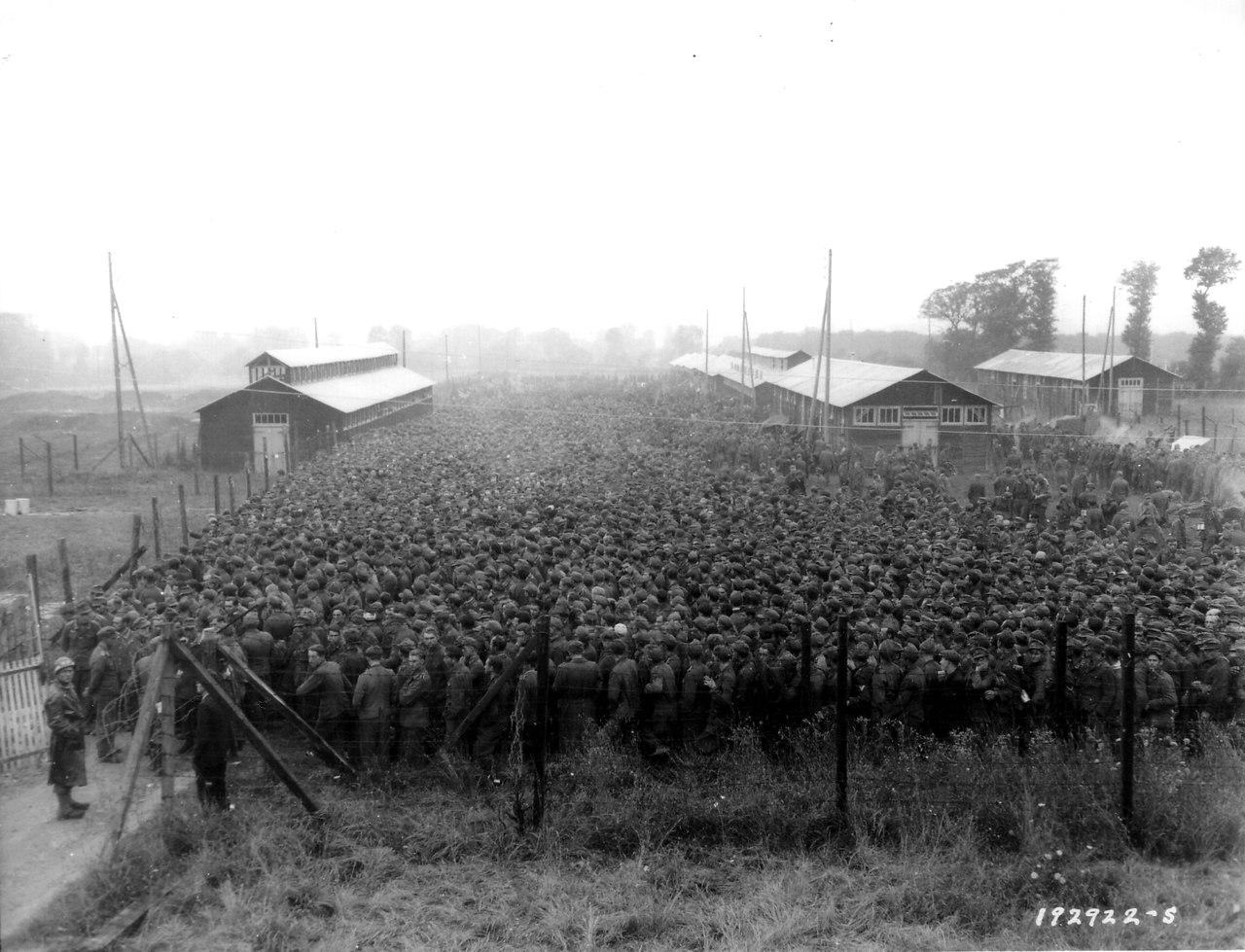 От 30 000 до 40 000 немецких солдат, попавших в плен в результате Фалезской операции союзников