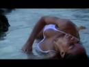 Соски сисек в мокрой майке молодой красивой русской девушки с длинными волосами с голой жопой на природе пляжа эротика секс порн