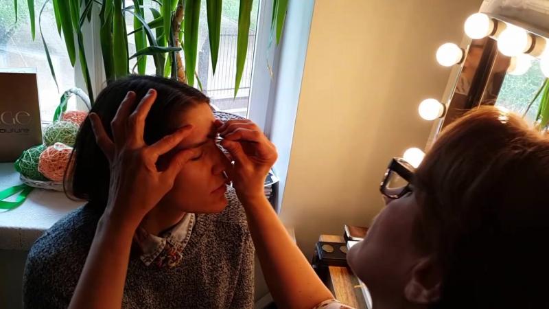 Коррекция и окрашивание бровей в салоне Violetta
