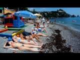 Гурзуф набережная и пляжи июль 2017 в конце бомбочка!