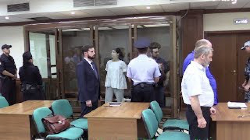 Суд продлил продлили до 20 месяцев заключения Эрику и Анне