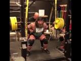 Брендон Аллен, приседания 410 кг