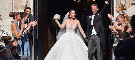 e6422330fd5644 Блеск! Наследница империи Swarovski вышла замуж в платье весом 46  килограммов www.cosmo.ru
