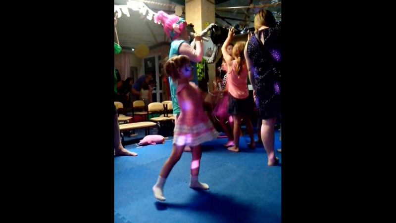 Танцы...танцы..танцы )) Аква гримм - Мисс Кэти где мои три года?))