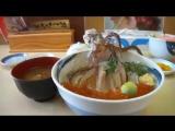 Блюдо «Танцующий Кальмар». (ika odori don イカの踊り丼)