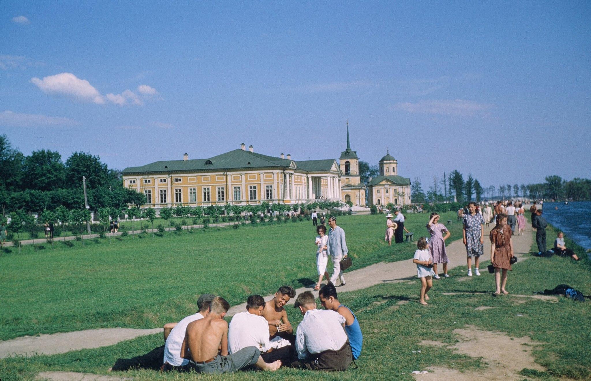 Историк Дуглас Смит опубликовал ранее неизвестные фото сталинского СССР