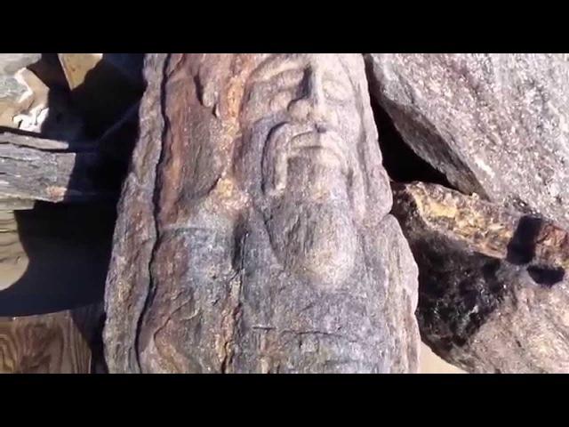 Игорь Алпатов, Славянские лики на камнях пляжа в Бруклине, часть 1