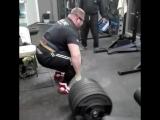 Влад Алхазов тянет 370 кг на 3 раза без экипировки!