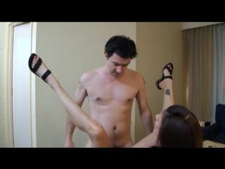 порно трахнул маму и кончил в киску фото