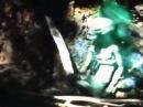 Alien sendo resgatado, alienígena