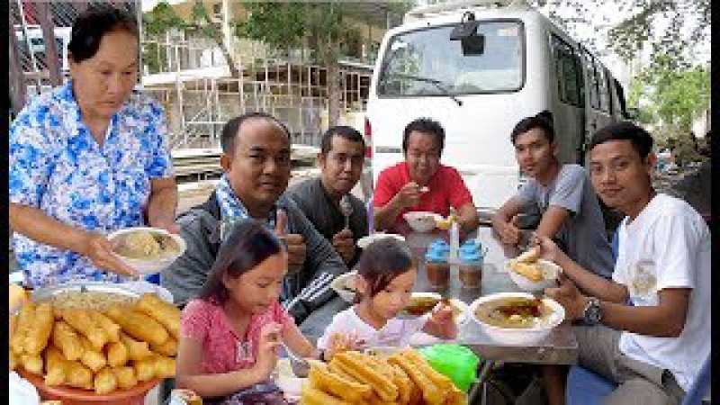 Breakfast at Toul Kork in Phnom Penh City | Travel on The Weekend in Cambodia to Kampot Province