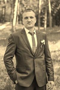 Игорь Белоног