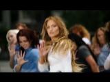 Дженнифер Лопес в сапогах Rihanna x Manolo Blahnik