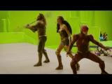 Бен Аффлек, Джейсон Момоа, Галь Гадот на съемках фильма «Лига справедливости».