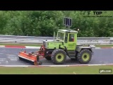 Илюзия скользящего трактора ВИДЕО ВЗОРВАВШЕЕ ИНТЕРНЕТ !!!