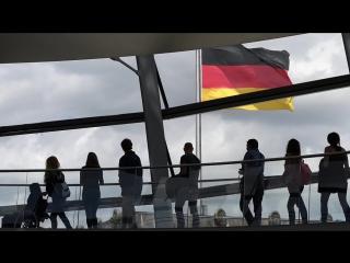 """""""New York Times"""" über """"Finis Germania"""" Leser kaufen, obwohl Literatur-Elite """"extremistisch"""" sagt"""