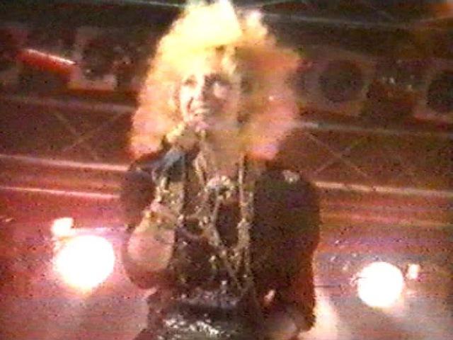 Ирина АЛЛЕГРОВА, ТЁМНАЯ ЛОШАДКА, Концерт на стадионе, Нижний Новогород, 1989