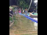 Вот такое безудержное веселье происходит вечерами на Сейшелах