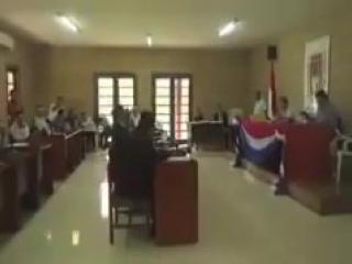 Президент Боливии попался на просмотре порно