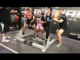 Лаура Сгро - присед 210 кг (до 60 кг)
