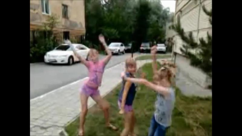 Девочки сделали клип – Мама Люба давай (Серебро)