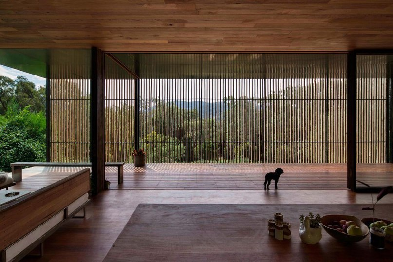 Sawmill House in Australia Incorporates 270 Reclaimed Concrete Blocks (Part 1)