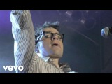 Weezer - Buddy Holly (Live at AXE Music One Night Only)