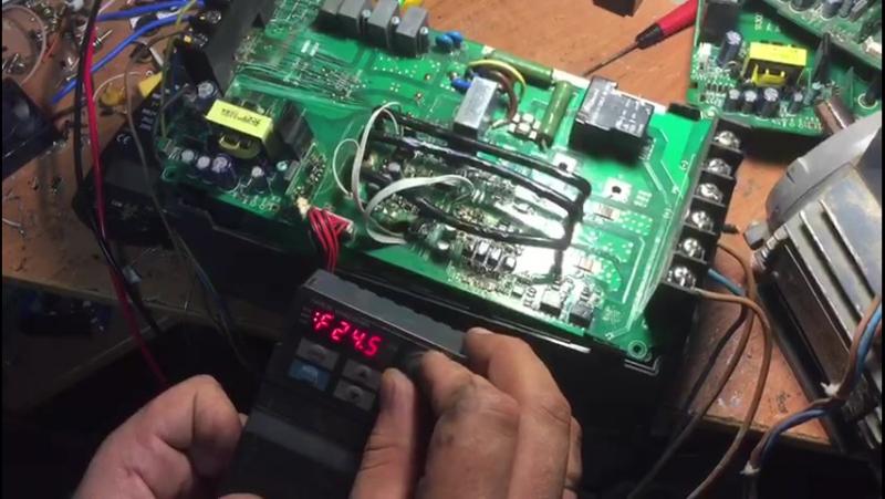 Ремонт преобразователя частоты Innovert 11 кВт, тестовый запуск перед сборкой.