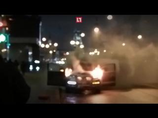 У Казанского вокзала загорелся автомобиль