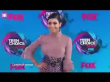 Vanessa Hudgens flaunts her booty in tight pink pants at TCAs