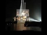 Френки Гранде и группа Litte Mix на сцене шоу Dangerous Woman в Лос-Анджелесе