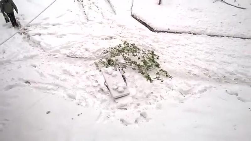 Первая жертва снегопадов и морозов. Мужчину нашли замерзшим в столичном районе Чокана