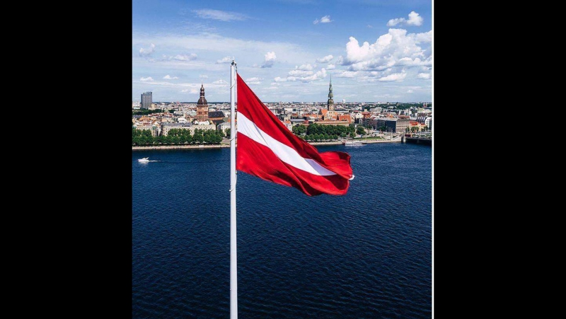 Jānis Stībelis - Sarkans-balts-sarkanais Latvijas karogs!