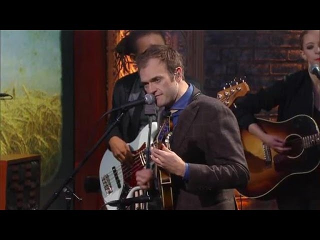 Chris Thile Performs 'My Oh My'