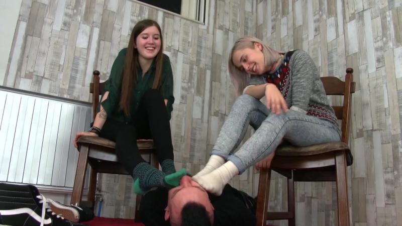 Foot Slave femdom foot fetish trampling facesitting piss scat footjob ballbusting farting spitting socks coons
