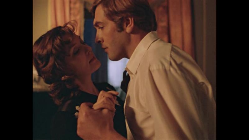 Лишилась девственности до замужества Москва слезам не верит 1979 отрывок фрагмент эпизод